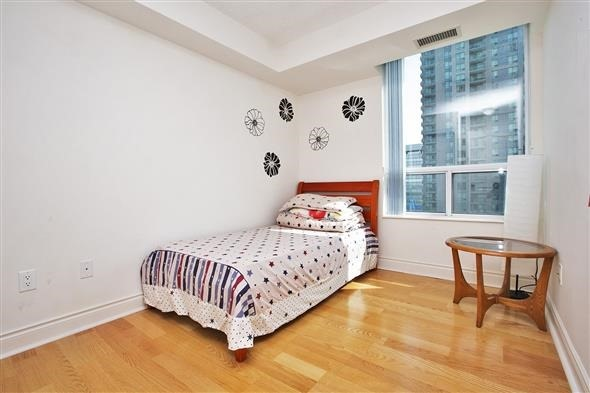 Condo Apartment at 50 Brian Harrison Way, Unit 802, Toronto, Ontario. Image 8