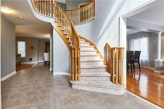 Detached at 164 Sprucewood Cres, Clarington, Ontario. Image 12