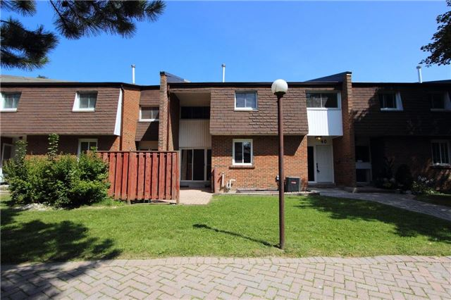 Condo Townhouse at 103 Dovedale Dr, Unit 40, Whitby, Ontario. Image 12