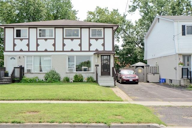 Semi-detached at 77 Russett Ave, Oshawa, Ontario. Image 1