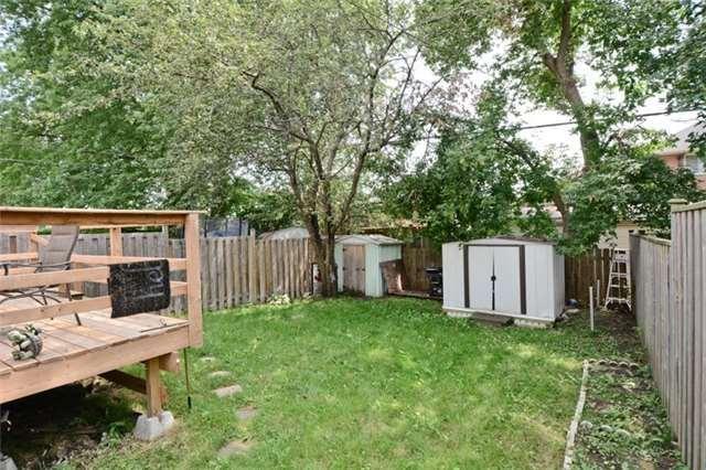 Semi-detached at 77 Russett Ave, Oshawa, Ontario. Image 10