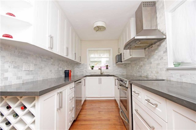 Detached at 35 Beath St S, Toronto, Ontario. Image 15