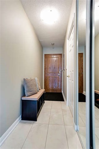 Condo Apartment at 8 Lee Centre Dr, Unit 1205, Toronto, Ontario. Image 15