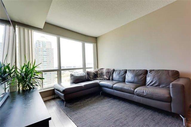 Condo Apartment at 8 Lee Centre Dr, Unit 1205, Toronto, Ontario. Image 17