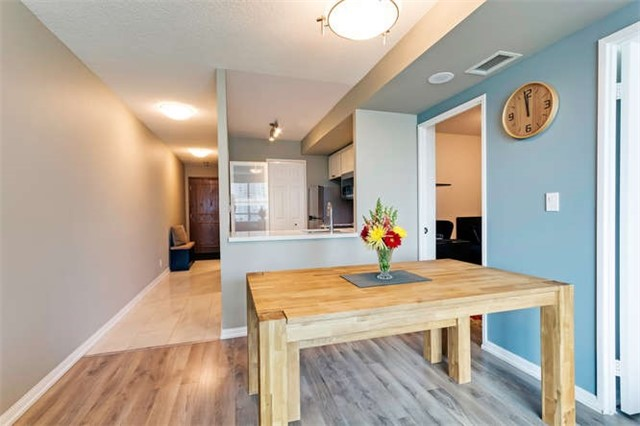 Condo Apartment at 8 Lee Centre Dr, Unit 1205, Toronto, Ontario. Image 2