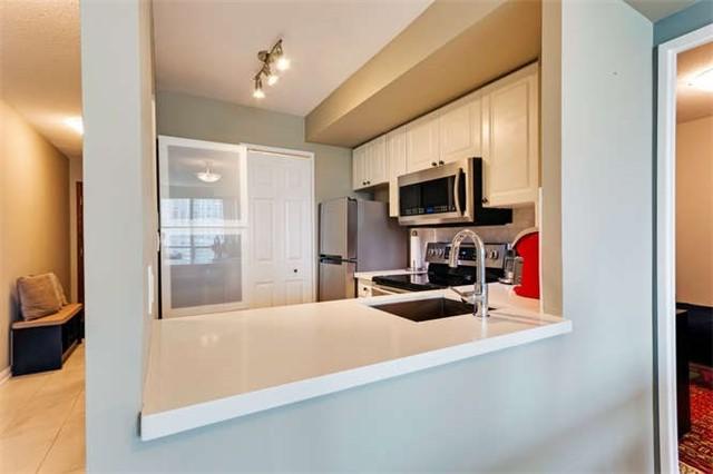 Condo Apartment at 8 Lee Centre Dr, Unit 1205, Toronto, Ontario. Image 6