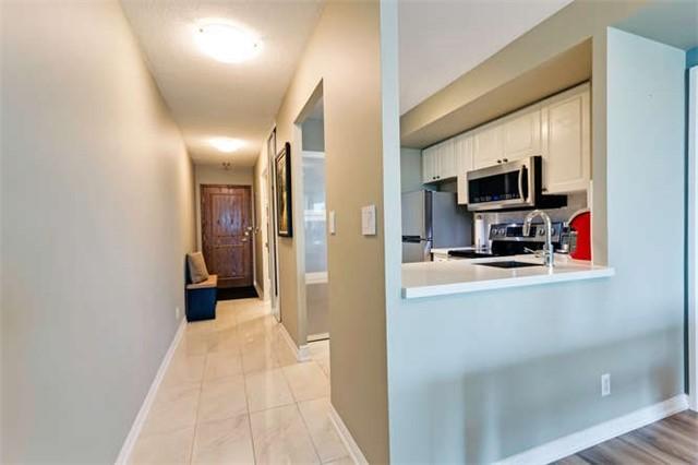 Condo Apartment at 8 Lee Centre Dr, Unit 1205, Toronto, Ontario. Image 7
