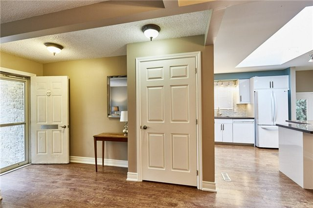 Detached at 32 Regency Cres, Whitby, Ontario. Image 18