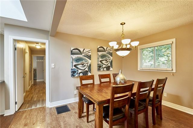 Detached at 32 Regency Cres, Whitby, Ontario. Image 2