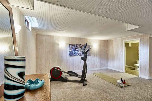 Detached at 32 Regency Cres, Whitby, Ontario. Image 7