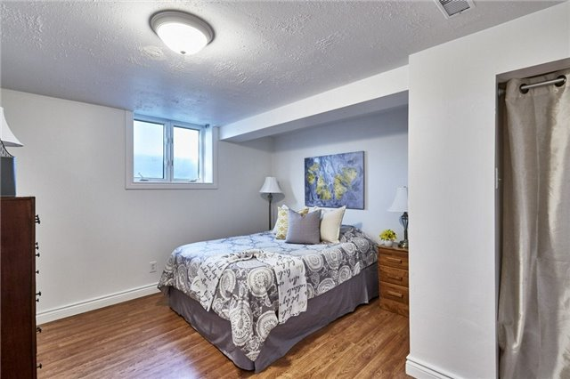 Detached at 32 Regency Cres, Whitby, Ontario. Image 10