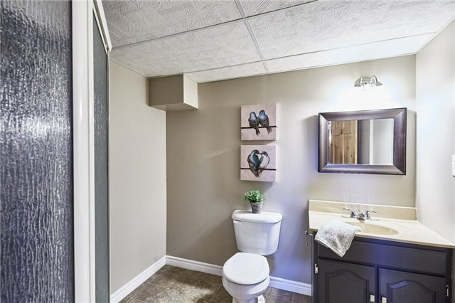 Detached at 32 Regency Cres, Whitby, Ontario. Image 11