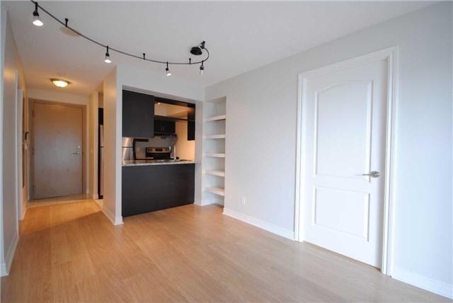 Condo Apartment at 70 Town Centre Crt, Unit 3105, Toronto, Ontario. Image 2