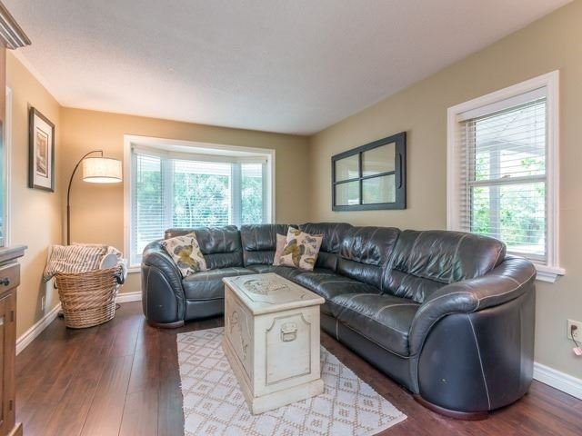 Detached at 1752 Wellington St, Pickering, Ontario. Image 16