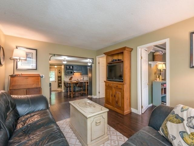Detached at 1752 Wellington St, Pickering, Ontario. Image 17