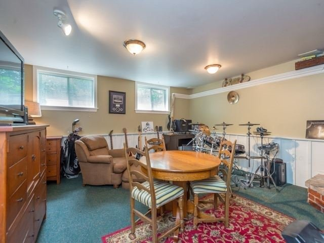 Detached at 1752 Wellington St, Pickering, Ontario. Image 5