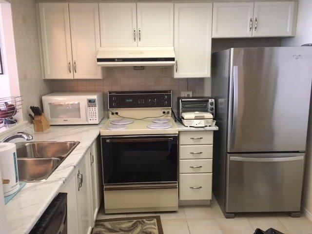 Condo Apartment at 5 Greystone Walk Dr, Unit 1216, Toronto, Ontario. Image 6