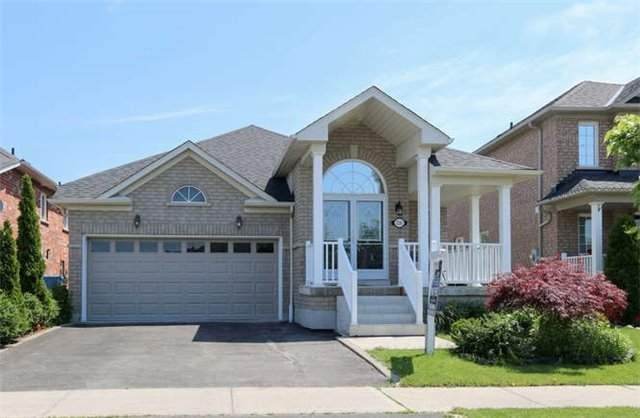 Detached at 3261 Country Lane, Whitby, Ontario. Image 1