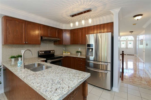 Detached at 3261 Country Lane, Whitby, Ontario. Image 14