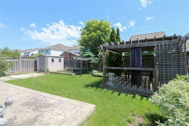 Detached at 3261 Country Lane, Whitby, Ontario. Image 13