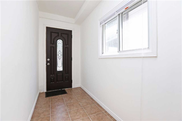 Detached at 318 Rhodes Ave, Toronto, Ontario. Image 9