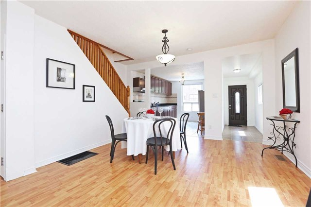 Detached at 318 Rhodes Ave, Toronto, Ontario. Image 11