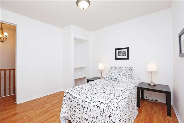 Detached at 318 Rhodes Ave, Toronto, Ontario. Image 14