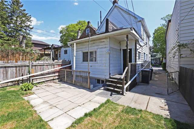 Detached at 318 Rhodes Ave, Toronto, Ontario. Image 6