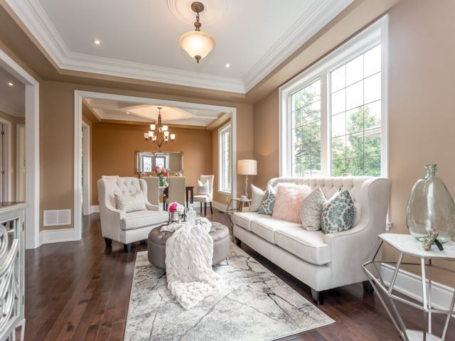 Detached at 52 Cavehill Cres N, Toronto, Ontario. Image 14