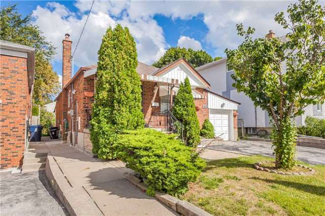 Detached at 145 Bexhill Ave, Toronto, Ontario. Image 12