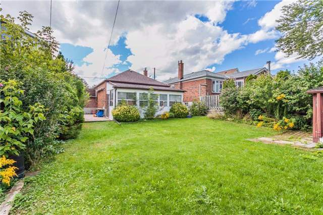 Detached at 145 Bexhill Ave, Toronto, Ontario. Image 11