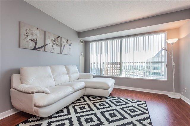 Condo Apartment at 36 Lee Centre Dr, Unit 2509, Toronto, Ontario. Image 8