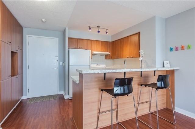 Condo Apartment at 36 Lee Centre Dr, Unit 2509, Toronto, Ontario. Image 10