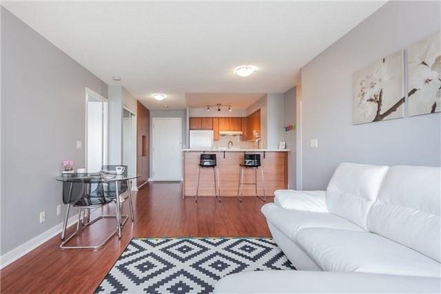 Condo Apartment at 36 Lee Centre Dr, Unit 2509, Toronto, Ontario. Image 11
