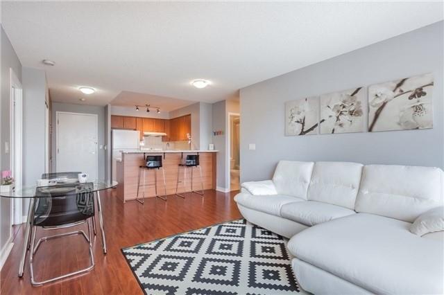Condo Apartment at 36 Lee Centre Dr, Unit 2509, Toronto, Ontario. Image 12