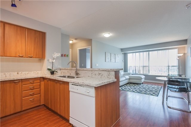 Condo Apartment at 36 Lee Centre Dr, Unit 2509, Toronto, Ontario. Image 3