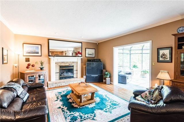 Detached at 5 Hanover Crt, Whitby, Ontario. Image 11