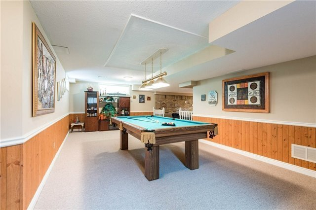 Detached at 5 Hanover Crt, Whitby, Ontario. Image 14