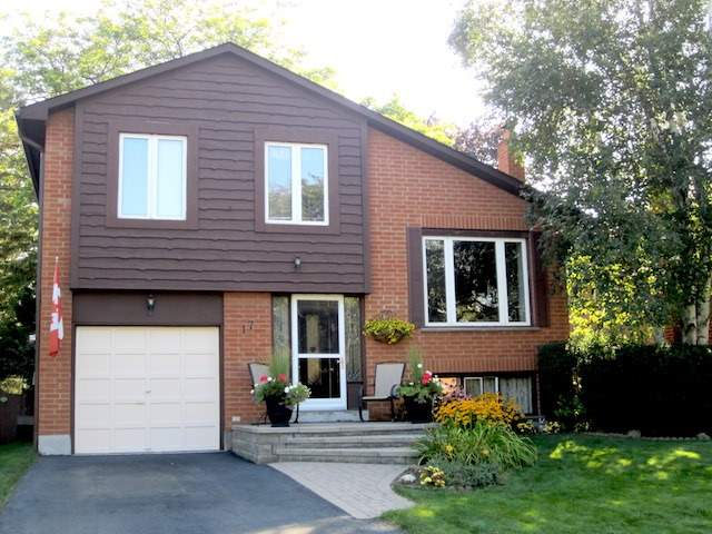 Detached at 17 Muir Cres, Whitby, Ontario. Image 1