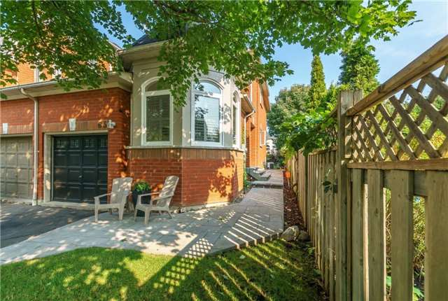 Townhouse at 65 Zachary Pl, Whitby, Ontario. Image 1
