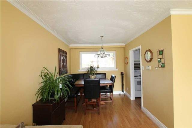 Detached at 900 Crocus Cres, Whitby, Ontario. Image 14