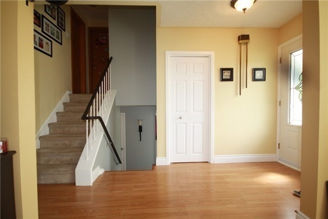 Detached at 900 Crocus Cres, Whitby, Ontario. Image 15