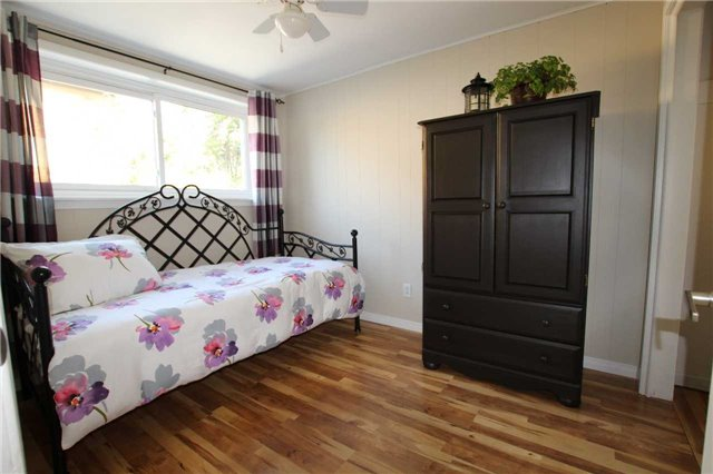 Detached at 900 Crocus Cres, Whitby, Ontario. Image 5