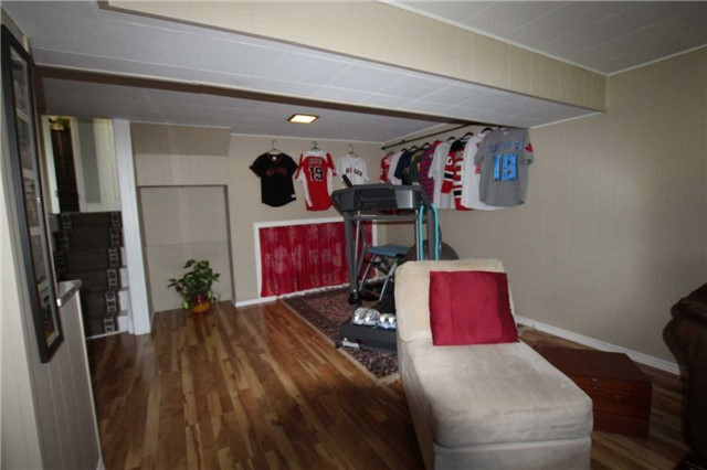 Detached at 900 Crocus Cres, Whitby, Ontario. Image 6