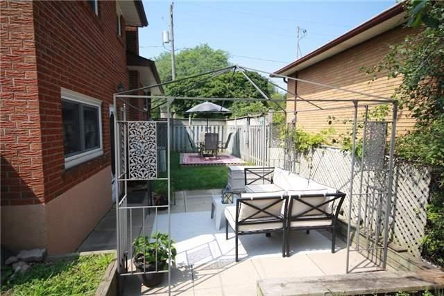 Detached at 900 Crocus Cres, Whitby, Ontario. Image 8