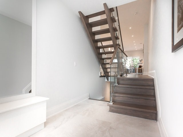 Detached at 6 Holborne Ave, Toronto, Ontario. Image 12