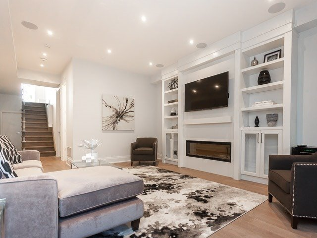 Detached at 6 Holborne Ave, Toronto, Ontario. Image 9