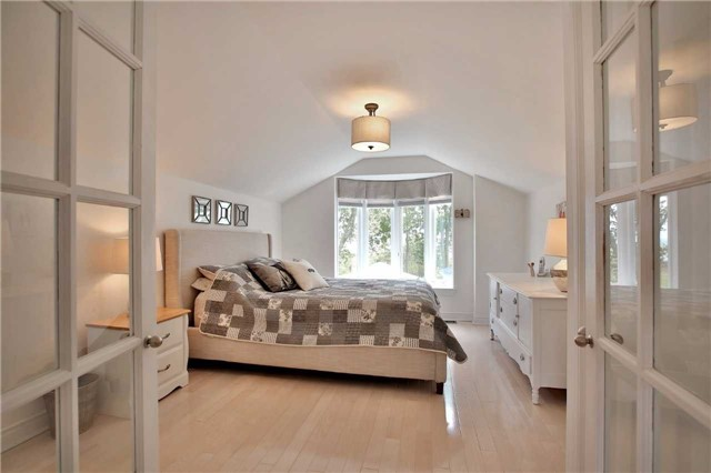 Detached at 48 West Beach Rd, Clarington, Ontario. Image 19