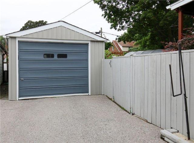 Detached at 62 Wilson Rd S, Oshawa, Ontario. Image 13