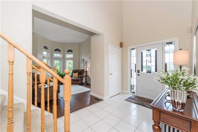 Detached at 114 Tremount St, Whitby, Ontario. Image 14